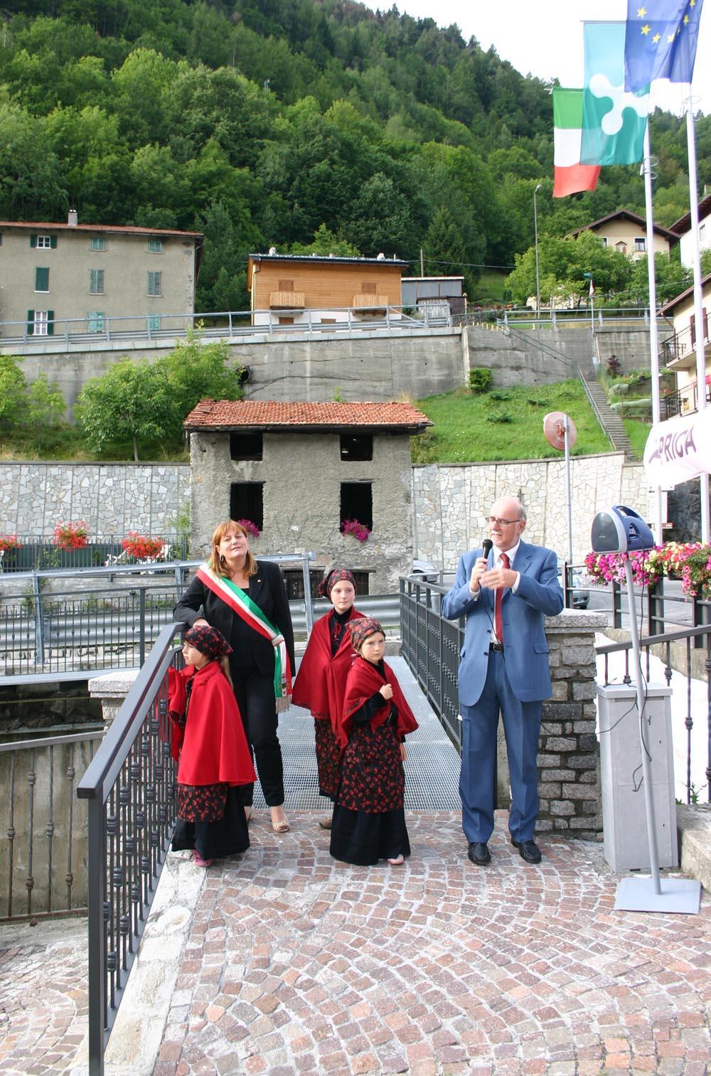 Aprica: inaugurata la passerella di Santa Maria