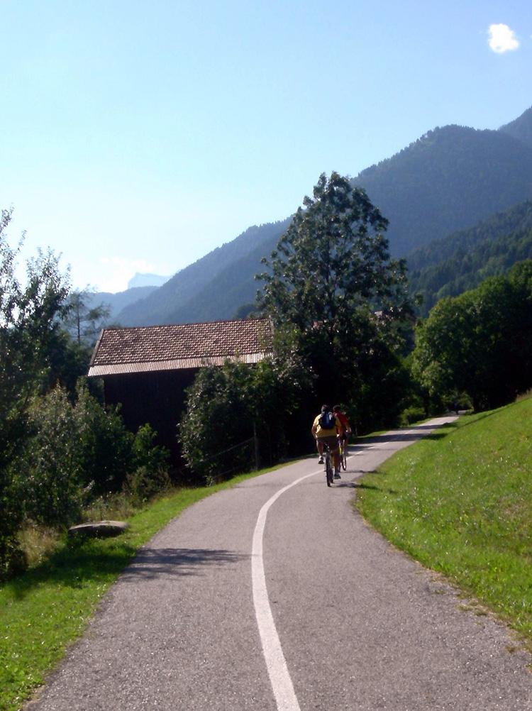 Inaugurata la pista ciclabile tra Calalzo di Cadore e Cortina d'Ampezzo