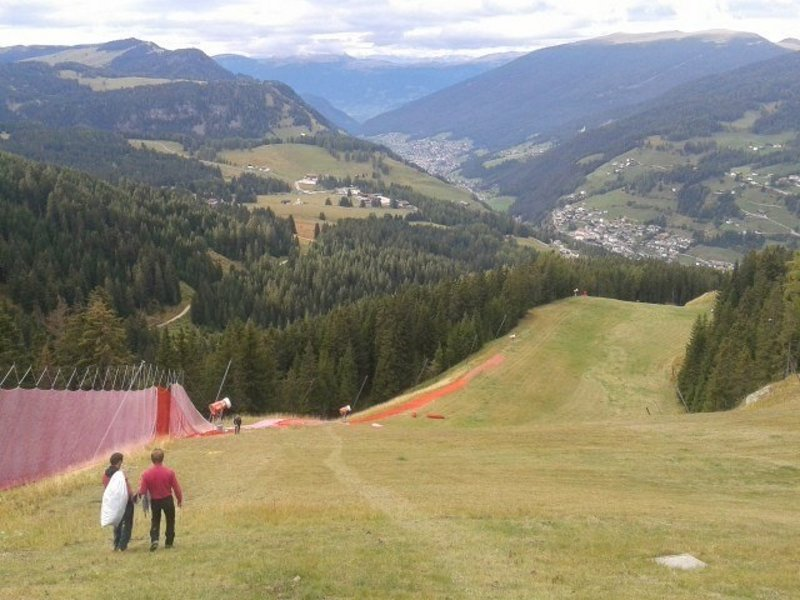 Val Gardena, pista Saslong: si lavora per la Coppa del Mondo