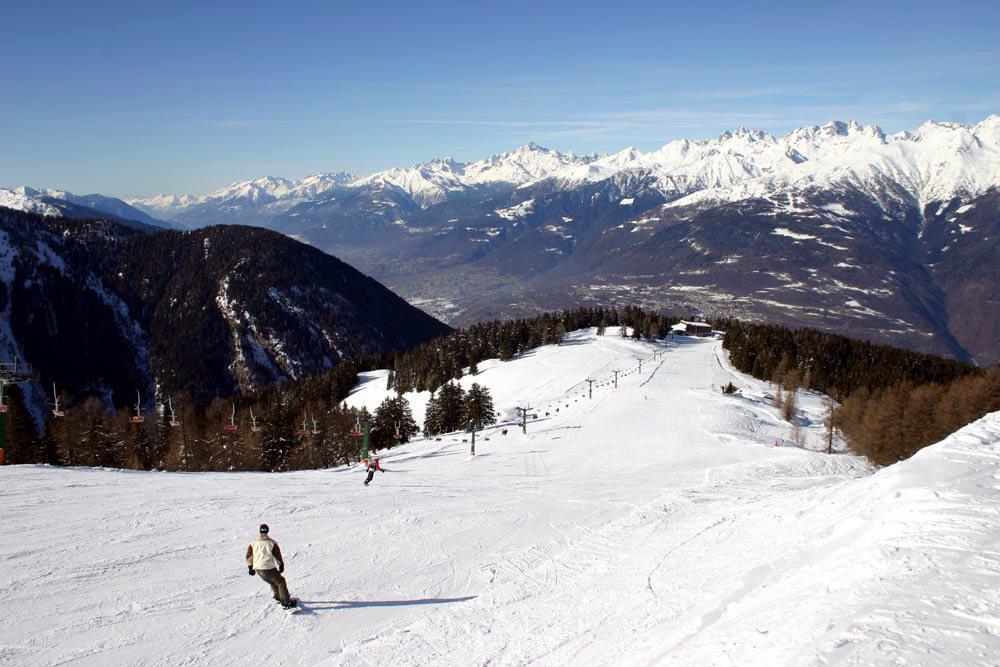 Aprica, si scia fino al 18 aprile e nei due weekend successivi