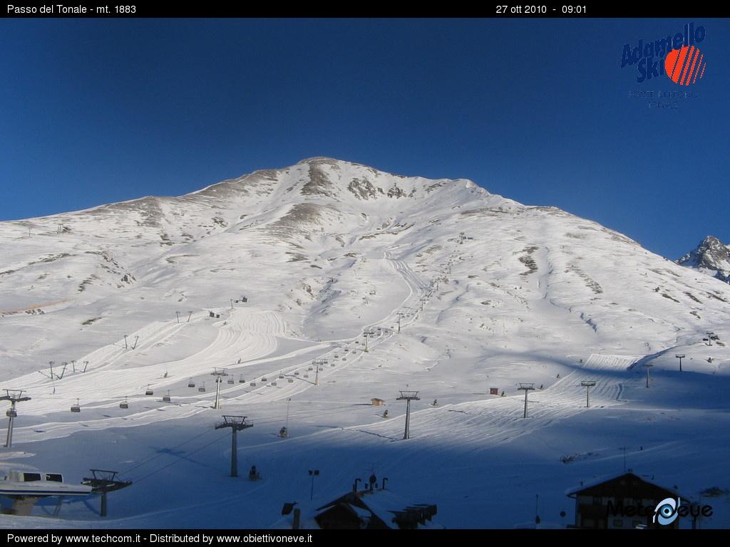 Si scia nel comprensorio Adamello Ski